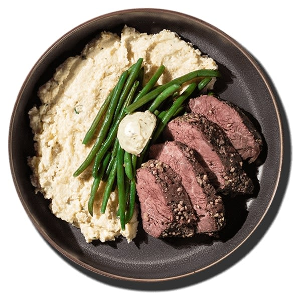 Steak_with_Garlic_Cauliflower_Mash
